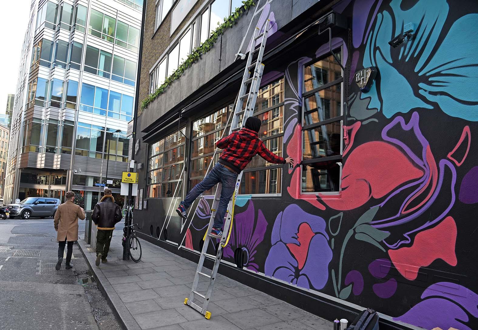 Nerone,street-art-queen-o-hoxton-london 2